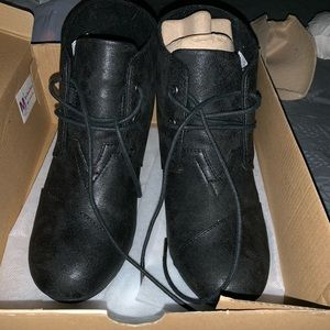 Brand New Toms Black Metallic Desert Wedge